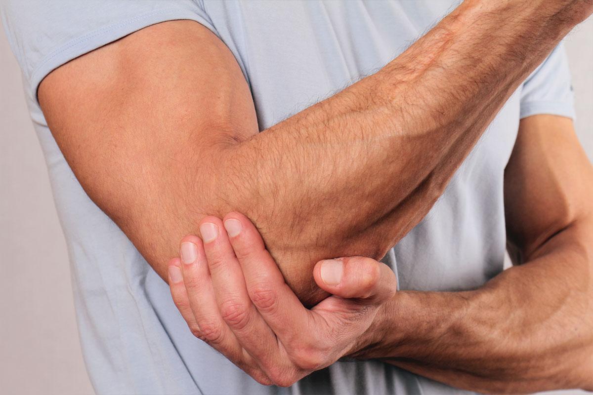 Service de chiropratique pour guérir l'épicondylite